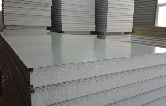 Sandwich wall panels with different core material